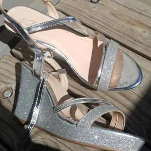 Silver sparkle wedges